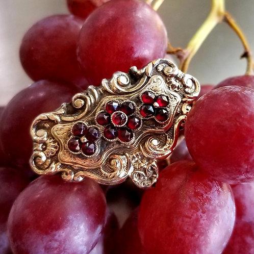 Antique 15k Large Garnet Sealed Locket Ring