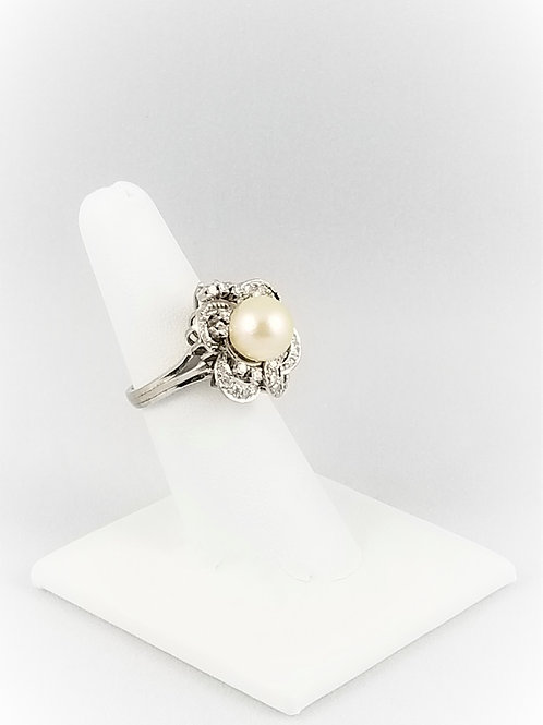 18k Akoya Pearl & Diamond Flower Ring