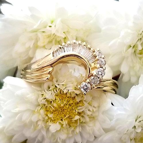 Vintage 14k Diamond Curve Ring