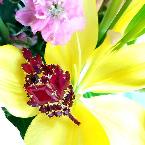 Retro Red Glass Leaf Brooch