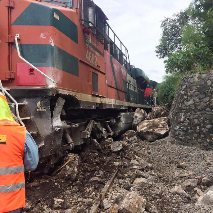 Descarrilamiento ferroviario en la vía Guadalajara-Manzanillo