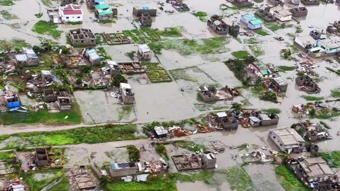 Más de mil muertos por ciclón