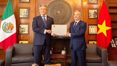 Nombran a presidente de COMCE Occidente Cónsul Honorario de Vietnam