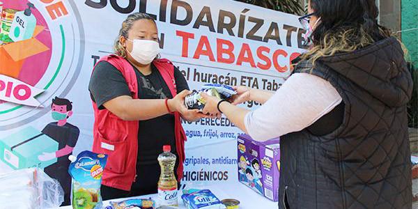 Chimalhuacán dota de alimentos a tabasqueños.