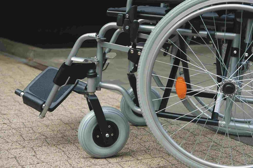 silla de ruedas, mujer discapacitada victima de abuso sexual