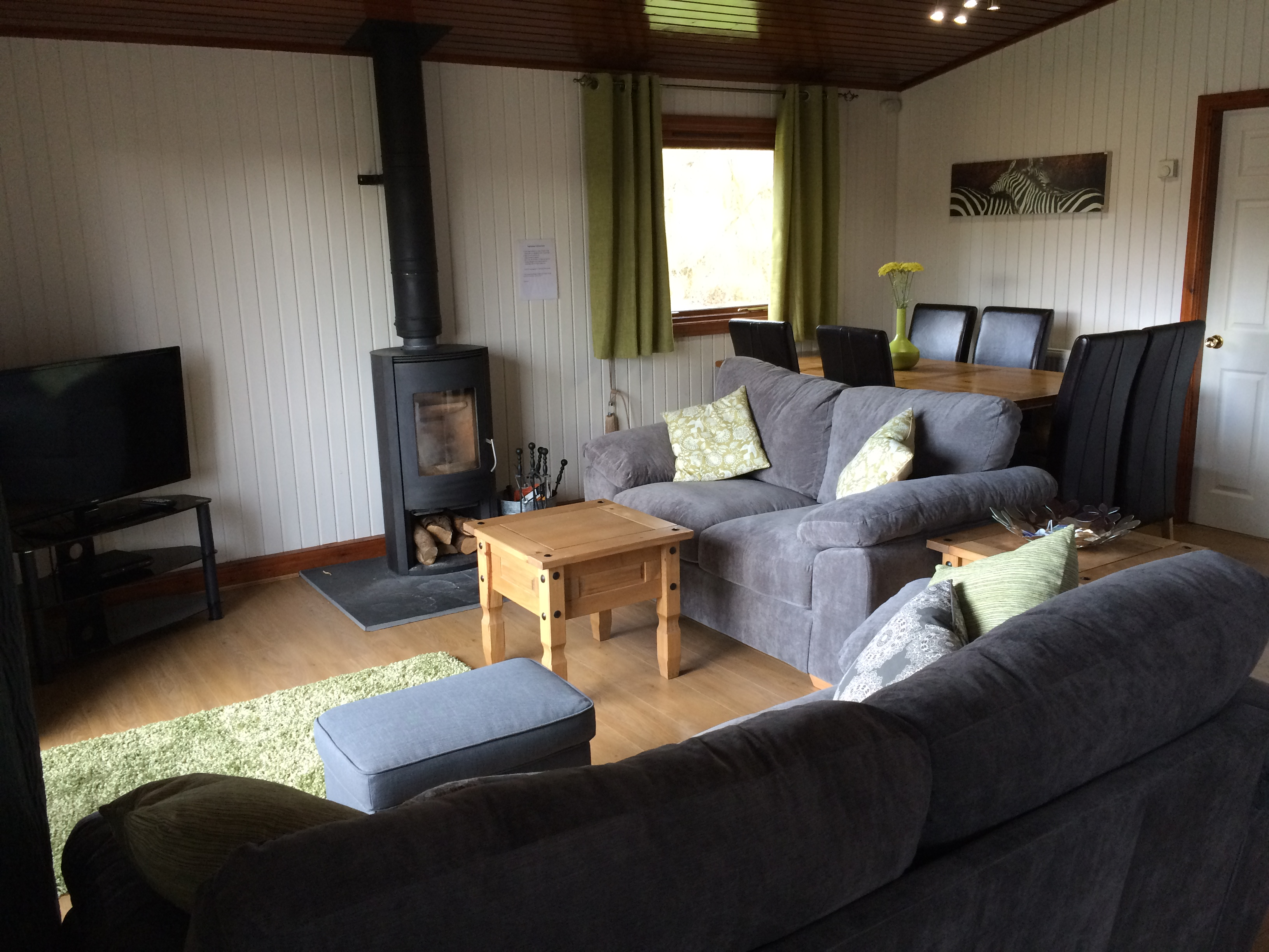 Log cabin with hot tub tattershall