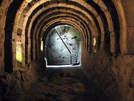 Περιπλάνηση στα μυστικά του αρχαιότερου Νεκρομαντείου