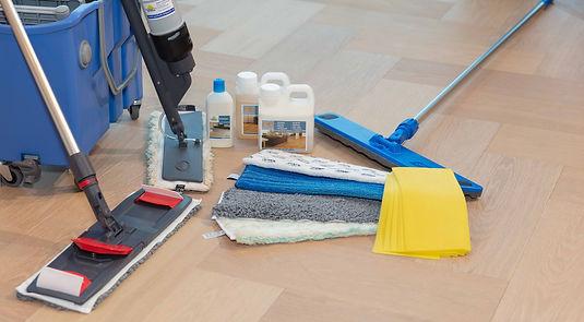 Parkett Bodenbeläge pflegen reinigen |PARKETT KÄPPELI GmbH