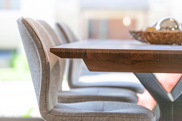 Tisch Möbel Sideboard Schrank Innenausbau Designmöbel Werkstatt| KÄPPELI AG Küchen- und Raumdesign