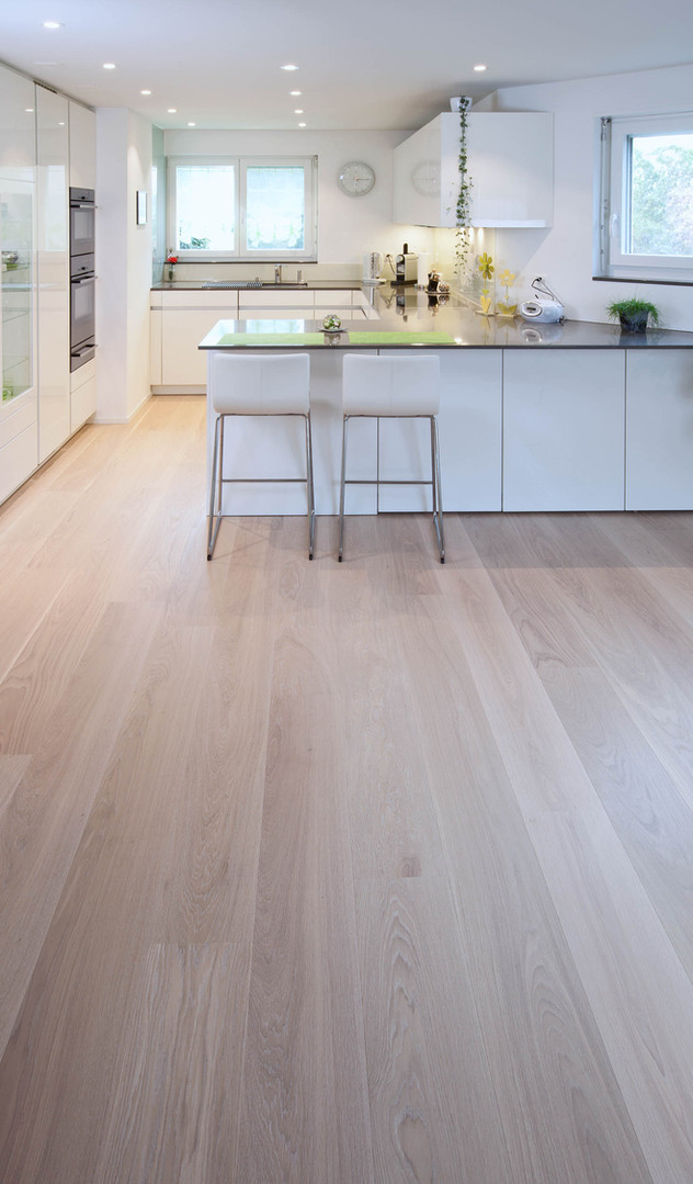 | Parkett Käppeli GmbH, Bodenbeläge, Bodenleger, Parkett, Vinylboden, Korkboden, Teppich, Holzböden