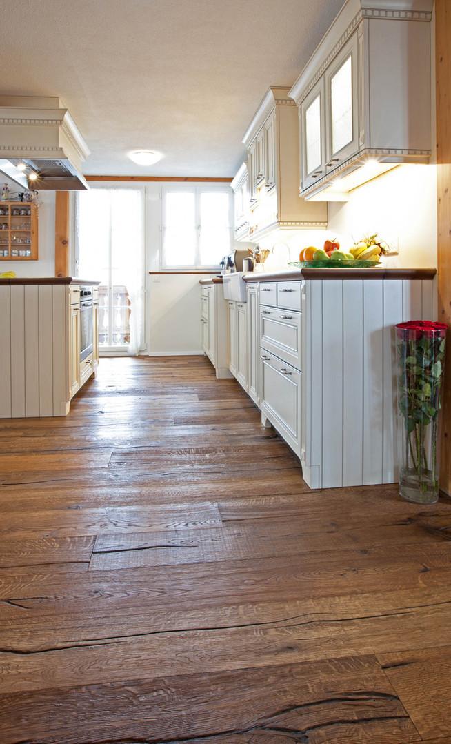 | Parkett Käppeli GmbH, Bodenbeläge, Bodenleger, Parkett, Vinylboden, Korkboden, Teppich, Holzböden, Parkett rustikal, Küche