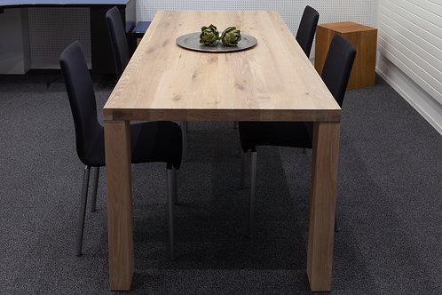 Tisch in Eiche (weissgeölt)