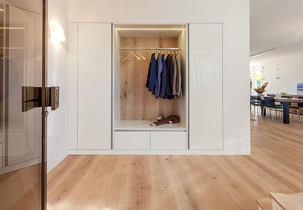 Garderobe, Ankleide, Schrank, Nischenlösung, individuelle Lösungen| KÄPPELI AG Küchen- und Raumdesign