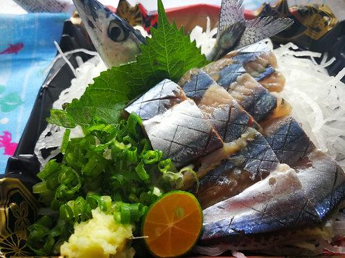 日本原條鮮秋刀魚刺身2條