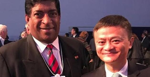 Sri Lankan Finance Minister: Ravi Karunanayake (Left) and Alibaba Chairman Ma Yun (Right)