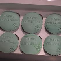 6 pack cupcakes