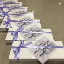 12 Chocolates presentation pack