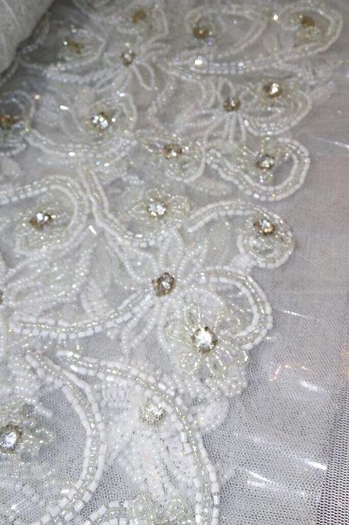 Avia - Blossom-cut, clear, and diamond-cut beads