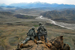 0420-0908-2417-2704_two_soldiers_on_a_ro