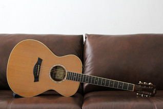 TAYLOR GC7 / 712 SITKA SPRUCE INDIAN ROSEWOOD