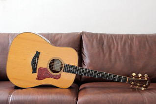 TAYLOR 710 2000 ENGELMANN SPRUCE INDIAN ROSEWOOD (SOLD)