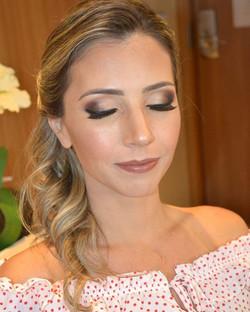 Olhos esfumados + boca nude = combo mais pedido! 😉 make_ _tissibalboamakeup _ hair_ _oficialwan #ti