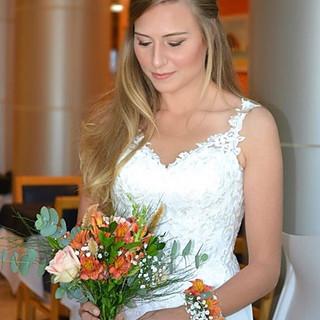Madeleine linda para seu casamento na fa