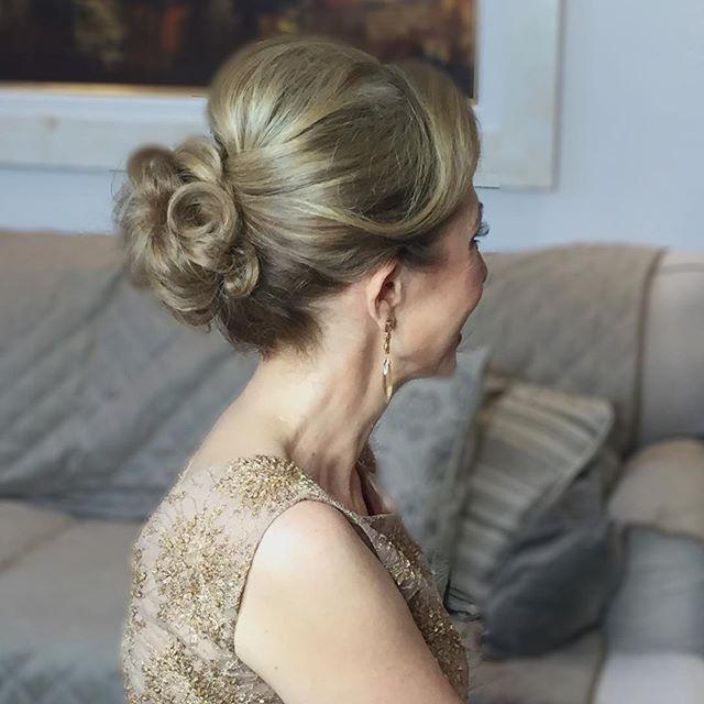 Outro ângulo deste penteado elegante