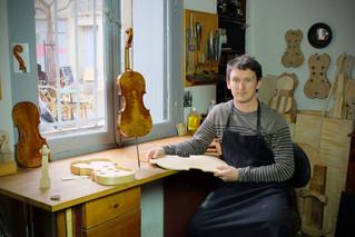 Nicolas, Luthier à Villeneuvette