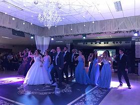 Dança dos Padrinhos - Stella Aguiar Noivos e Debutantes