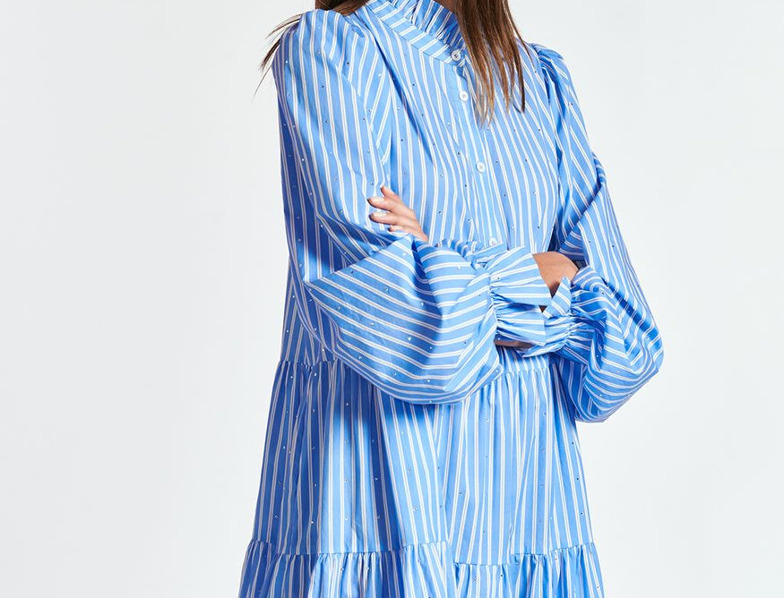 Mini robe bleu clair en popeline avec strass ESSENTIEL