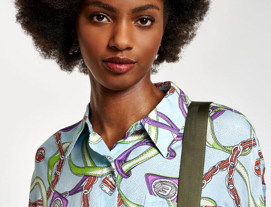 Chemise bleu clair à imprimé ESSENTIEL