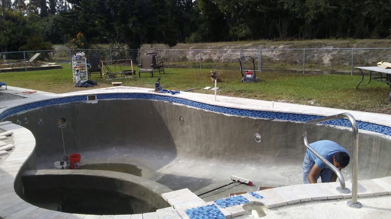 New pool tiling edges