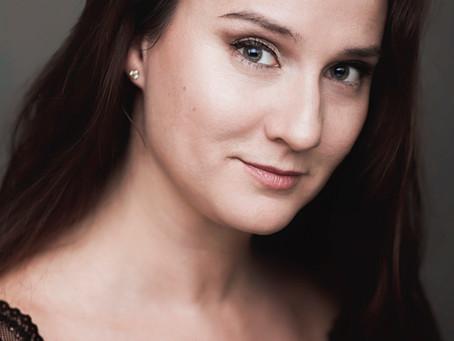 EMILIE, HEADSHOT PHOTOGRAPHY