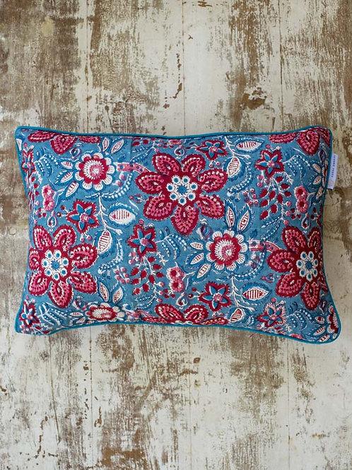 Housse de coussin à fleurs bleue et rouge Manjari