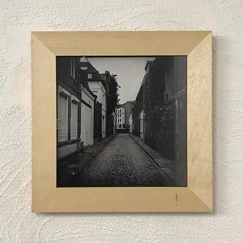 Photo noir et blanc - cadre bois naturel - rue Saint Eloi - Marcq-en-Baroeul