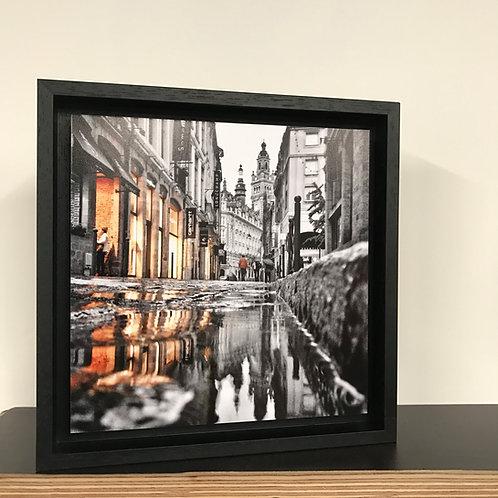 Réflexion rue Lepelletier - Lille - photo encadrée en caisse américaine