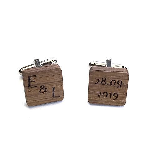 Boutons de Manchette bois carrés Mariage initiales + date