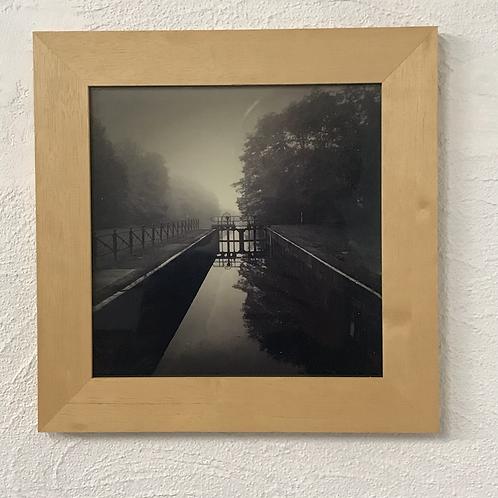 photo encadrée noire et blanc- l'écluse du Grand Cottignie