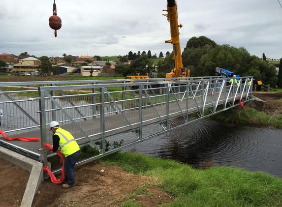 Wellington Street Bridge Install 3