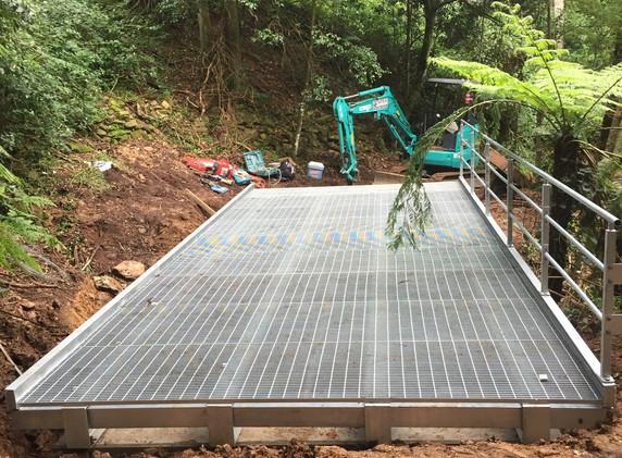 Mt Keira Ring Track Bridge Construction