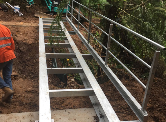 Mt Keira Ring Track Bridge Installation