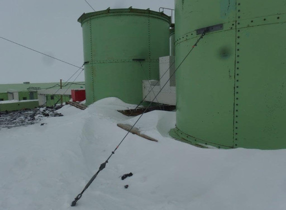 Scott Base Water Tanks - Existing tanks to be replaced