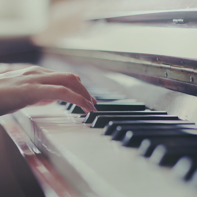 PR Mills   Piano Teacher, Orpington