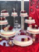 redrosesweddingcake.PNG