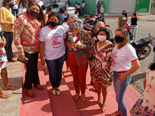 Nesse domingo (09) vereadoras de Ouricuri Delvania a Adelucia distribuíram flores para as mães
