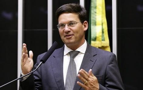 ACM Neto articula para Bolsonaro desistir de indicar aliado para ministério