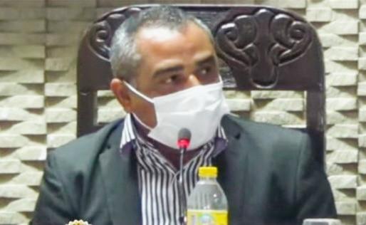 OURICURI: Presidente da Câmara Iran Severo cobra postura e ética de vereadora em reunião ordinária