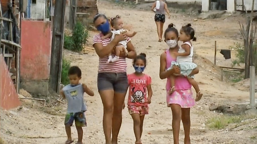 RECIFE: 'Covid caiu como uma bomba', diz mãe de jovem que morreu após parto e deixou seis filhos