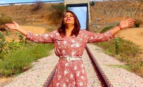 OURICURI: Cantora gospel Mayara Cunha adere ao fluxo de mídia digital, Spotfy e You Tube, confira